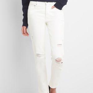 GAP Resolution True Skimmer distressed jeans
